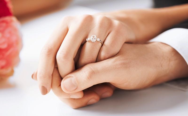 Boda anillo de compromiso