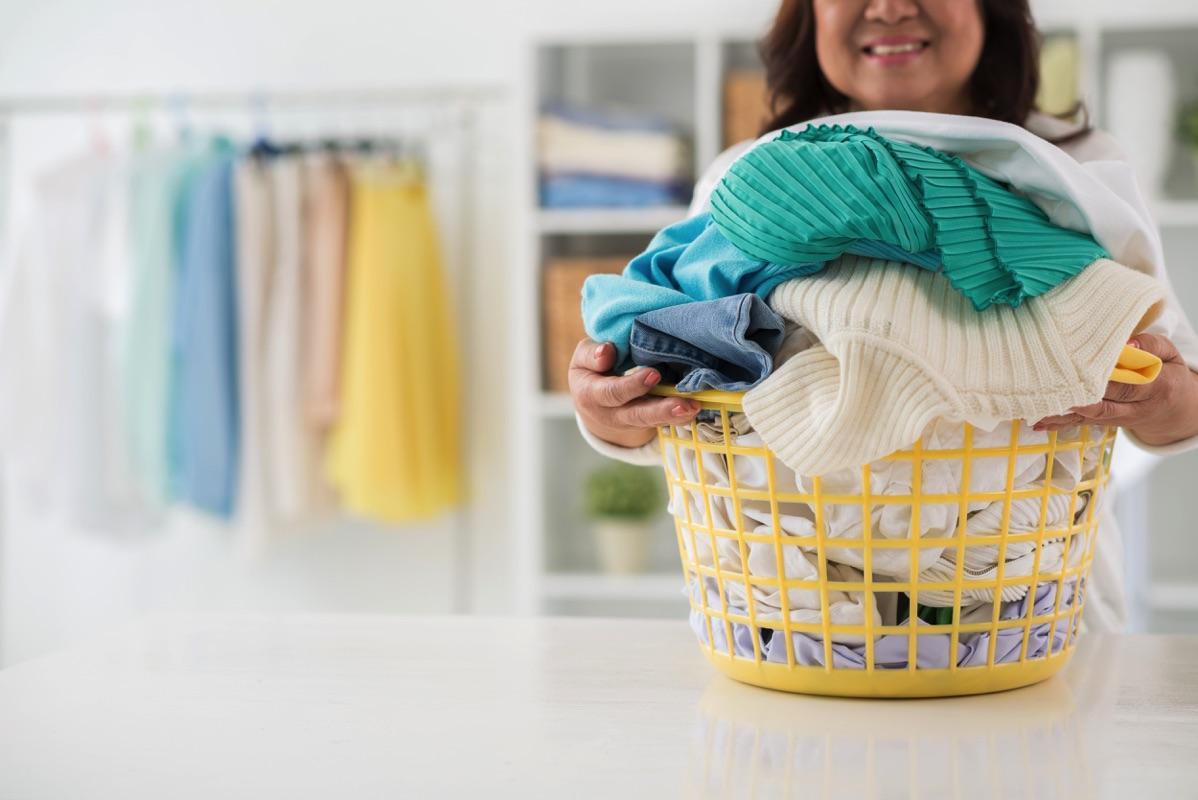 c270fdd05372 Cómo lavar la ropa para que dure más tiempo.