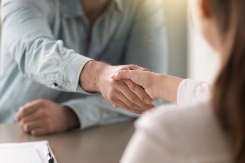 Deudas-Negociar-handshake