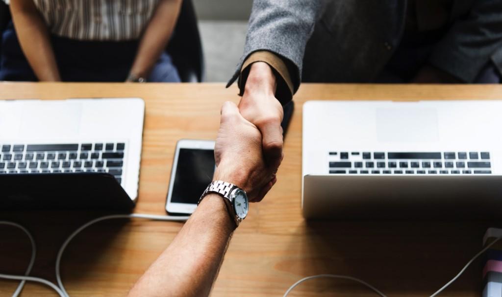 Manos-Acuerdo-Deal